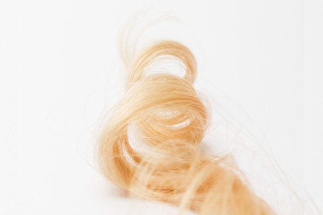 カールされた髪